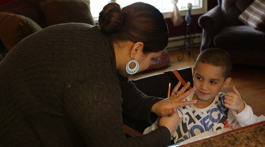 PA Virtual mother helps her student with learning how to count